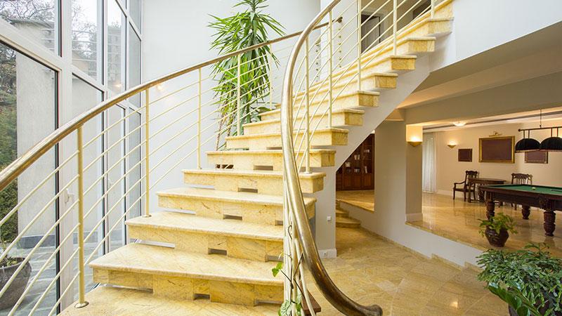 Construction d'un escalier dans les normes